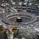 aerial-view-shows-muslim-worshippers-at-the-grand-mosque-the-holiest-place-in-islam-in-mecca-during-ramadan
