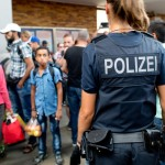 refugees-munich-sept-1-with-polizei-source-dpa