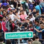 refugees-wait-border