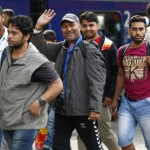 migrants-arrive-at-main-station-in-munich-3