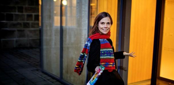 Cautand o femeie islandeza